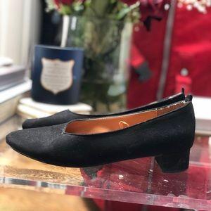 Classy low heel